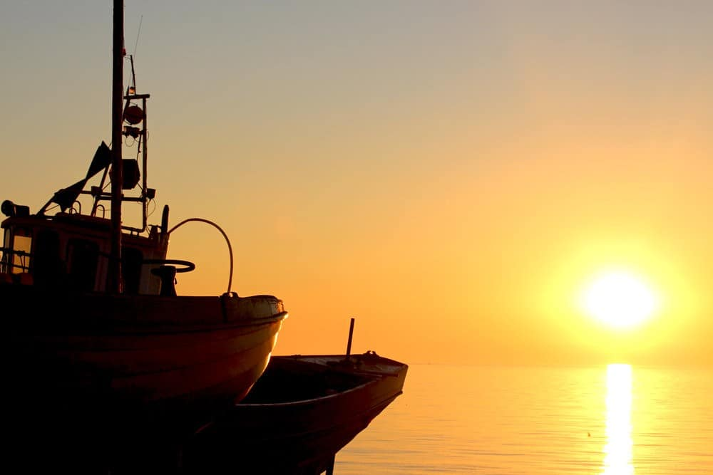 4_Sunrise_Fishingboat1